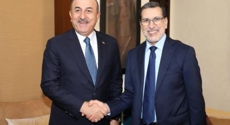 رئيس الحكومة يجري مباحثات مع وزير الخارجية التركي
