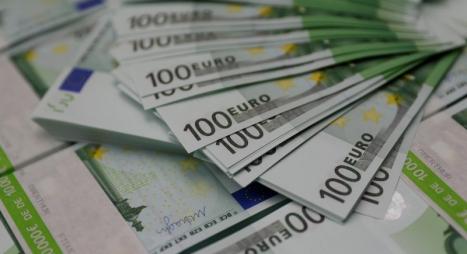اليورو يهبط لأدنى مستوى في 2018 لهذا السبب