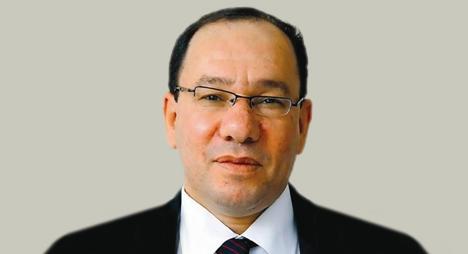 """وائل قنديل: امنحوا""""نوبل"""" ليوسف زيدان"""