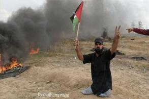 الاحتلال يقتل فلسطينيا قعيدا زحف بنصف جسده نحو...