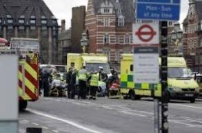 مسلمون بريطانيون يتعرضون للدهس خلال احتفالهم...