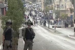"""الاحتلال يعتقل عددا من الفلسطينيين في """"جمعة..."""