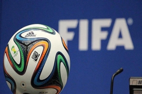 الفيفا يدرس خطة مساعدة مالية لعائلة كرة القدم