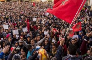 ما سبل تعزيز مشاركة الشباب في العمل السياسي؟