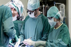 عملية جراحية نادرة لزرع قلب ثان لمريض