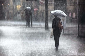 الأرصاد الجوية: نزول أمطار أو زخات مطرية بهذه...